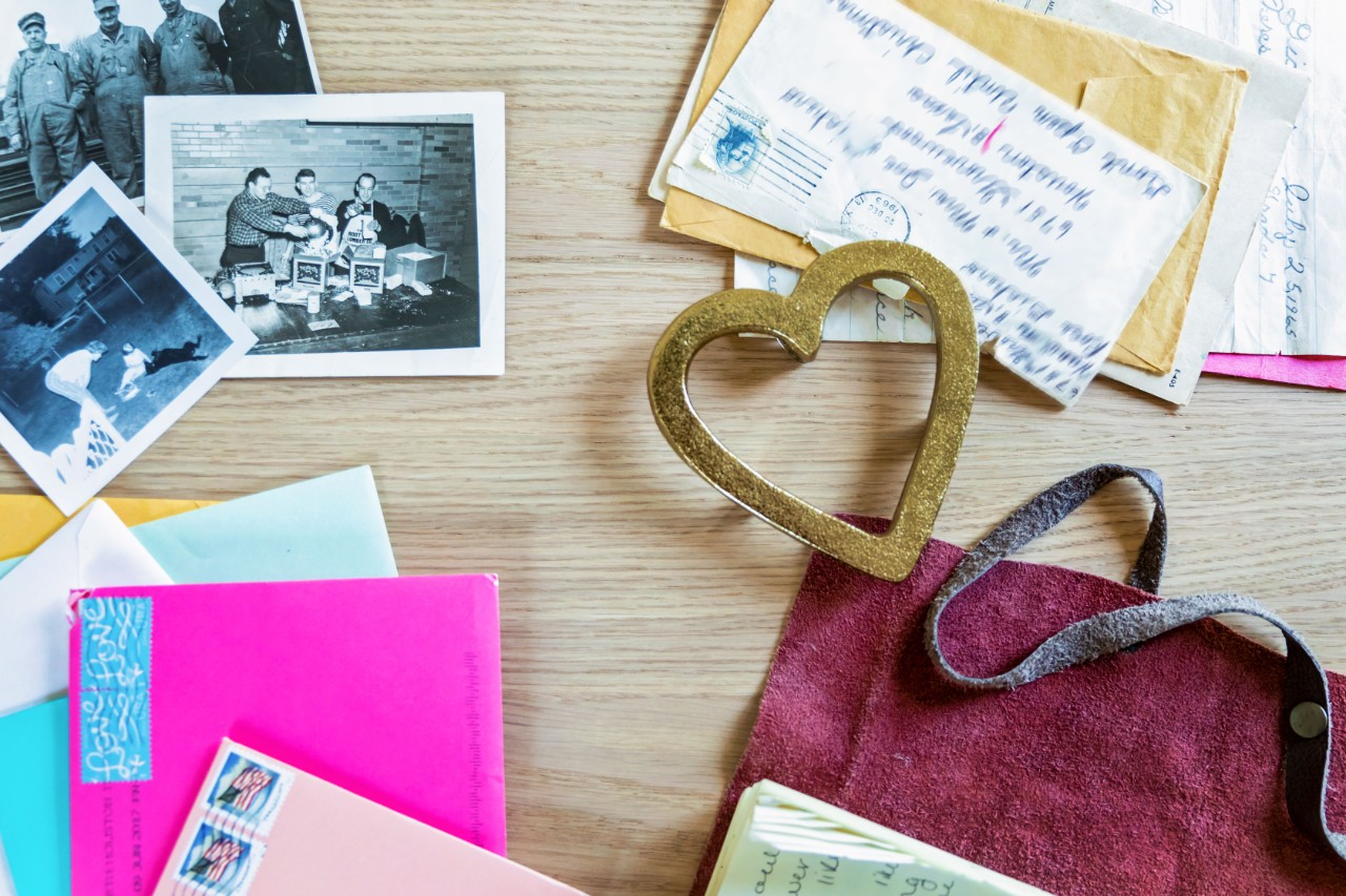 https://thepostage.com/wp-content/uploads/2020/09/Messages-Envelopes-Heart-Small.jpg